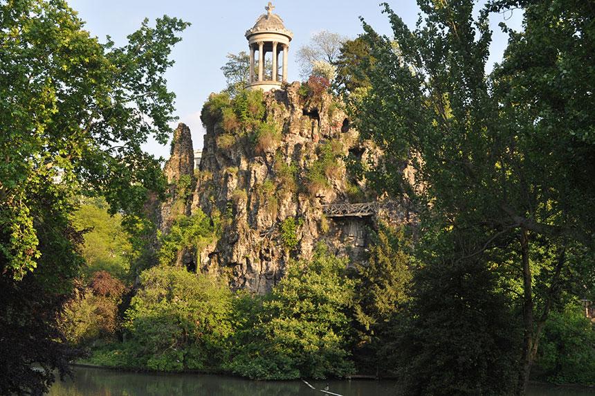 Paris-Parc-des-Buttes-Chaumont-Beijing-parks